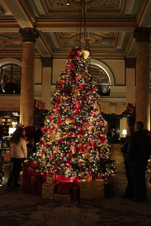 The foyer at the Willard.