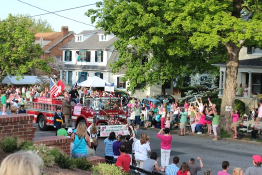 Washington Street is a beautiful tree lined road with many grand old homes. Here are the grand marshals of the Firefighter's Parade - Jep and Jessica from the hugely popular Duck Dynasty reality tv show.