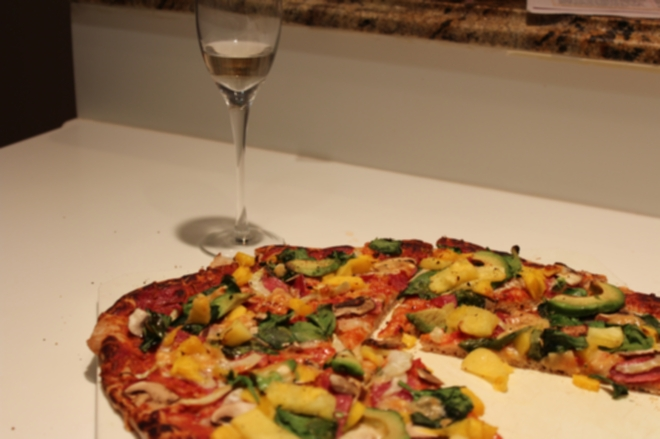 We dined on Richard's delicious homemade pizza...washed down with a few more bubbles!