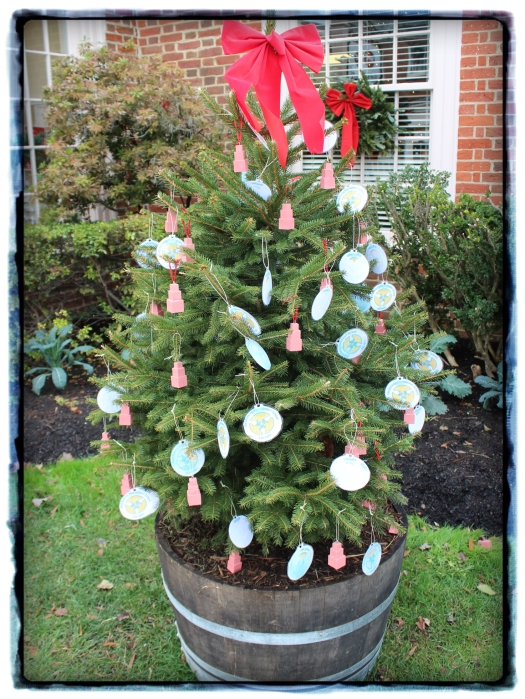 One of the sidewalk decorations, made by the local Montessori school. Loving those Montessori tower decorations.